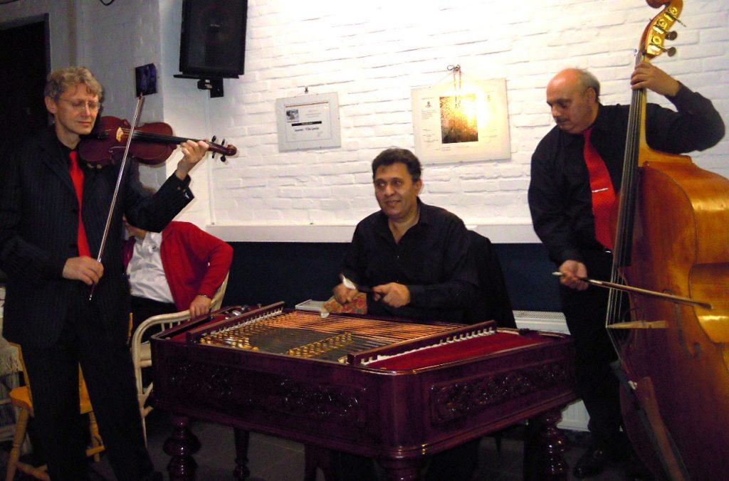 Piroska trio with Giani Lincan on cymbalom