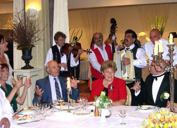 Piroska gypsy trio at a wedding