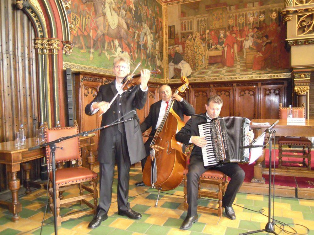 PIROSKA trio in het Brugse Provinciehuis