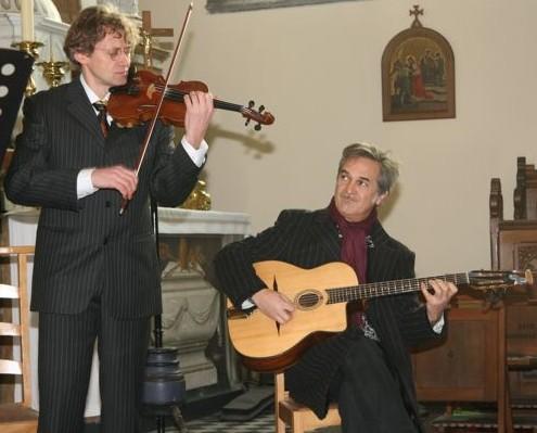 Piroska duo met Mandino Reinhardt op gitaar
