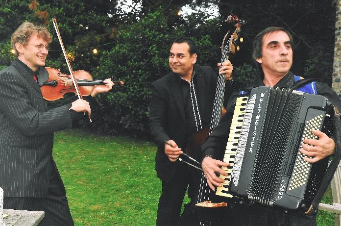 PIROSKA trio avec Robertino Mihai