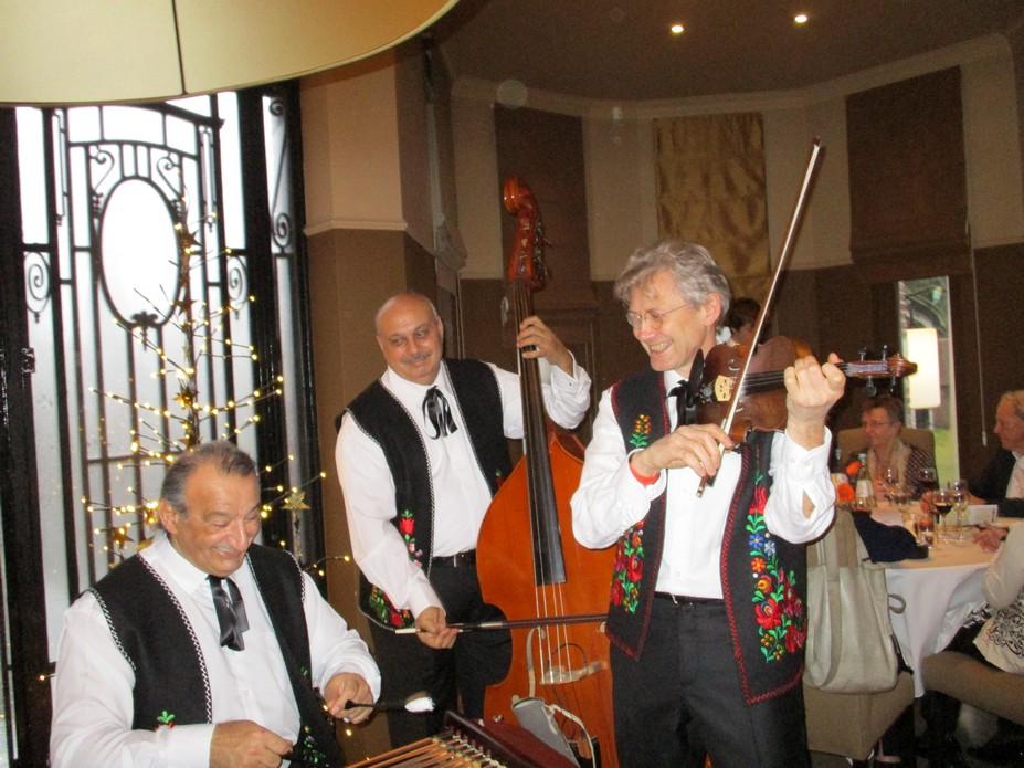 PIROSKA trio with cymbalist Janos Csikos